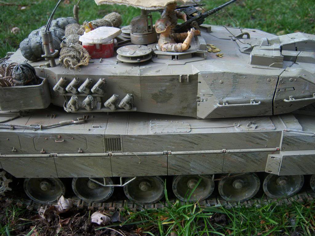 I have started my Leopard 2A6 conversion to a 2A6M CAN ( Afganistan) Leopard2012-12-15021_zpsd8dc96da