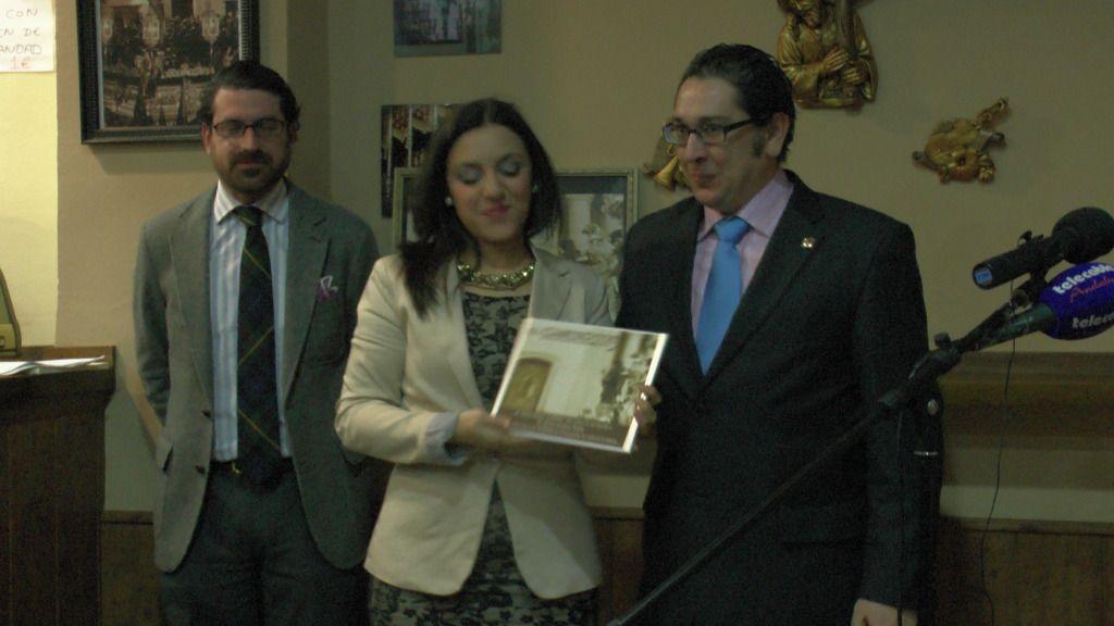 Presentación Cartel de Semana Santa 2013, Tertulia El Cabildo - Arahal  S1340149_zpsea3553be
