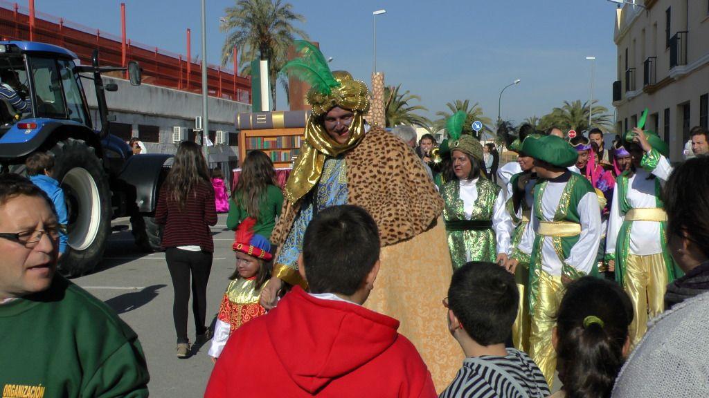 Cabalgata de Reyes Magos en los Barrios de Arahal 2013 S1230189_zps9f6f8f50