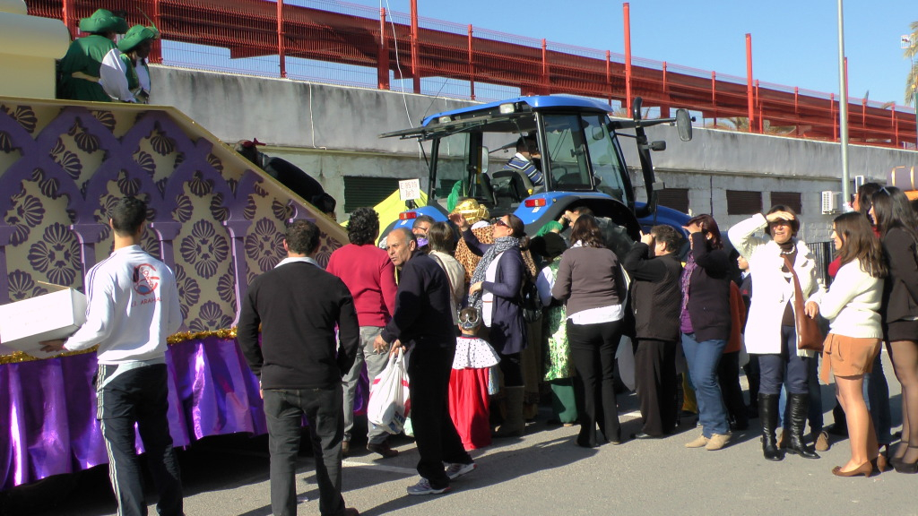 Cabalgata de Reyes Magos en los Barrios de Arahal 2013 S1230195_zps5958e892