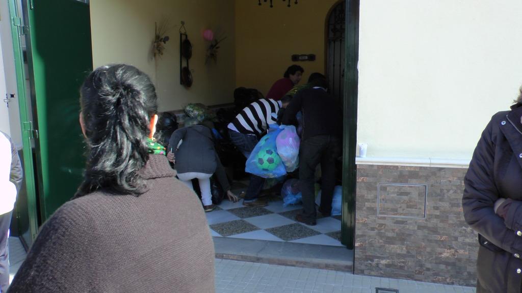 Cabalgata de Reyes Magos en los Barrios de Arahal 2013 S1230197_zpsd8b3da58