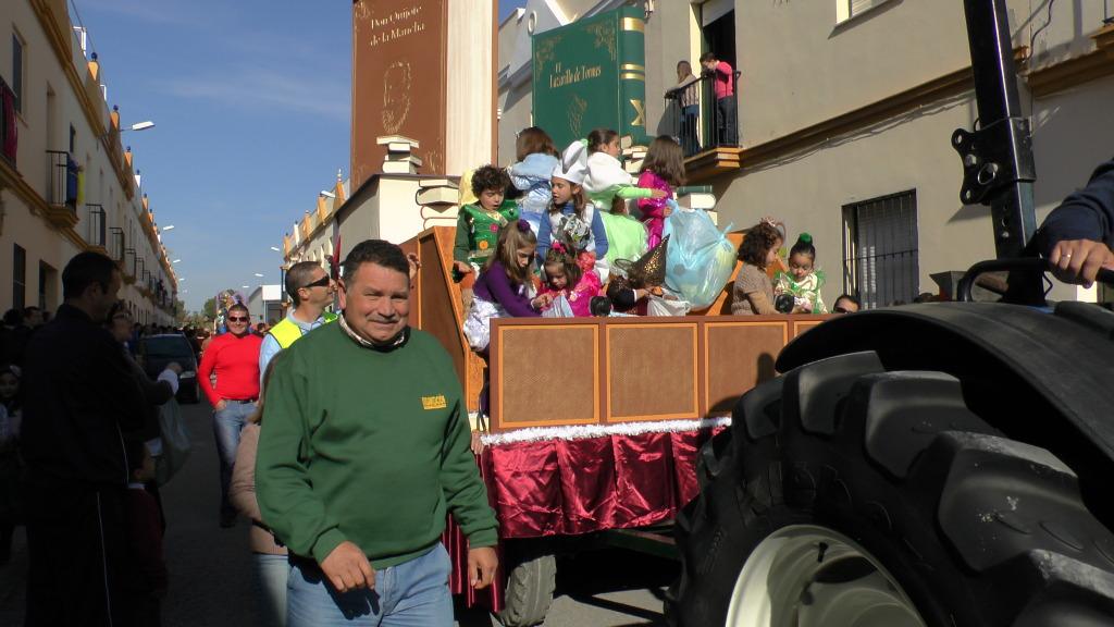 Cabalgata de Reyes Magos en los Barrios de Arahal 2013 S1230219_zps9ae03252