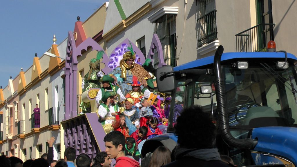 Cabalgata de Reyes Magos en los Barrios de Arahal 2013 S1230222_zps576552e7