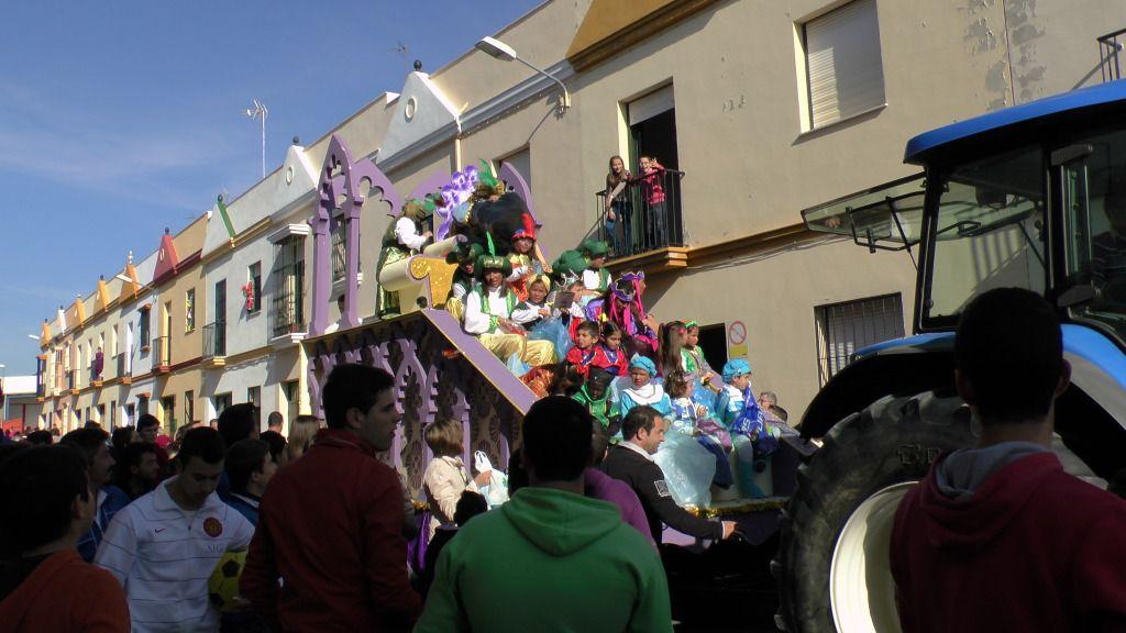 Cabalgata de Reyes Magos en los Barrios de Arahal 2013 S1230223_zps8e6f2763