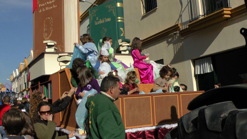Cabalgata de Reyes Magos en los Barrios de Arahal 2013 S1230239_zpsa63466a7