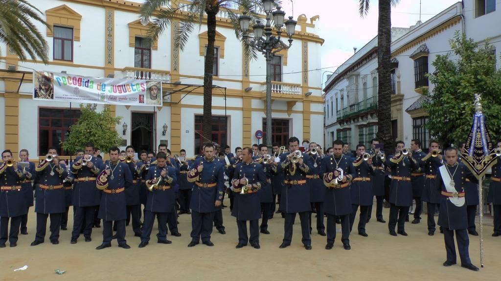 Concierto solidario: Banda CCTT Jesus Nazareno Arahal 2012 S1160046_zpsfc3daf9c