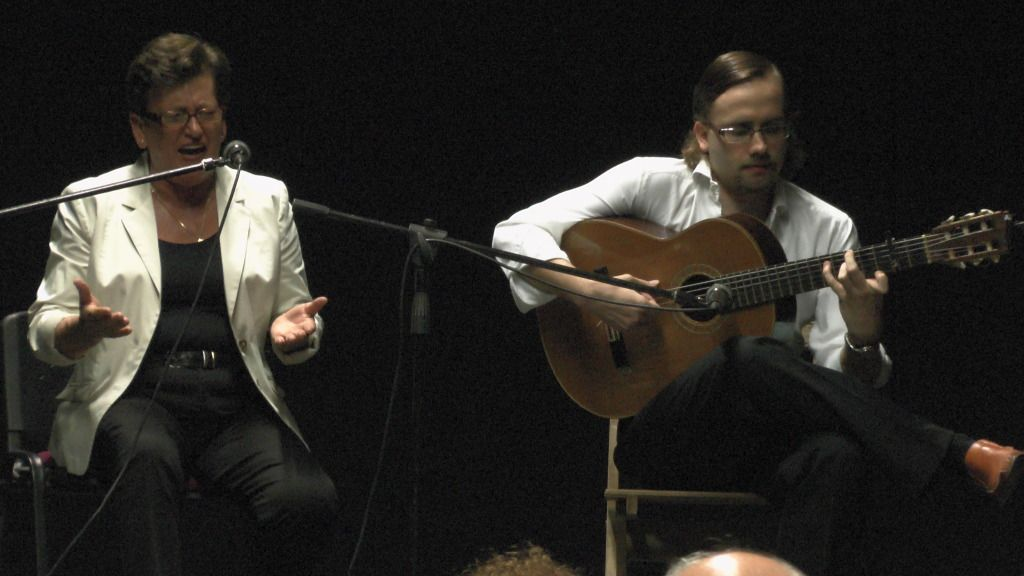 Video actuación flamenca Alzhei - Arahal 2012 S1100105_zpsc78ff351