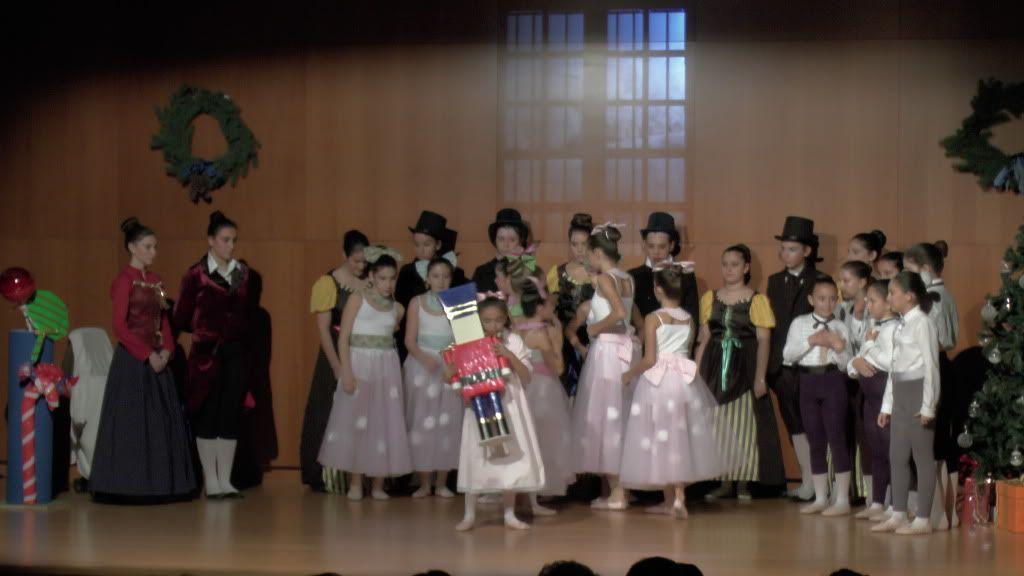 El Cascanueces - Escuela de Danza de Arahal - 2012 S1200052_zps8d748dc2
