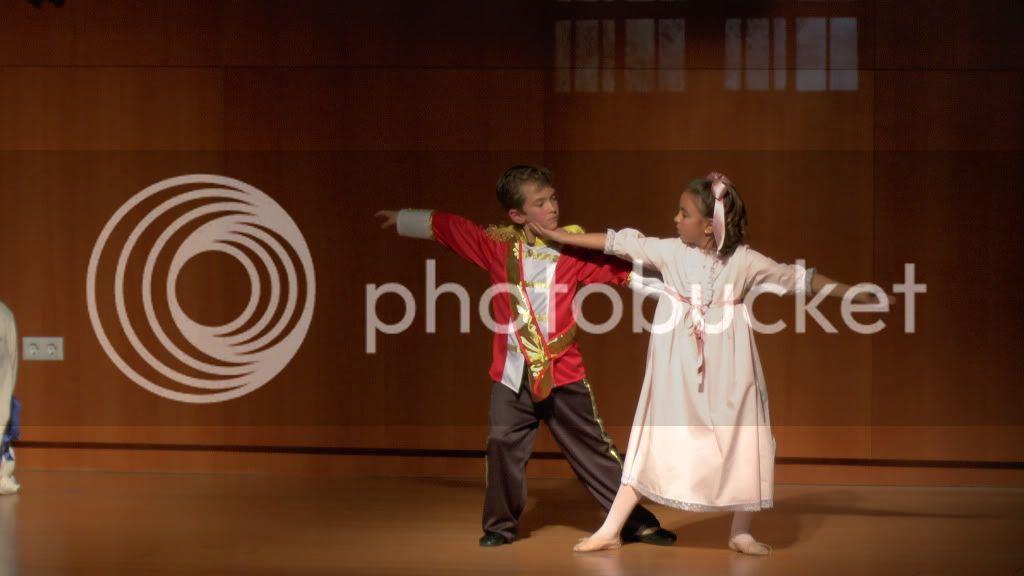 El Cascanueces - Escuela de Danza de Arahal - 2012 S1200054_zpsf327e486
