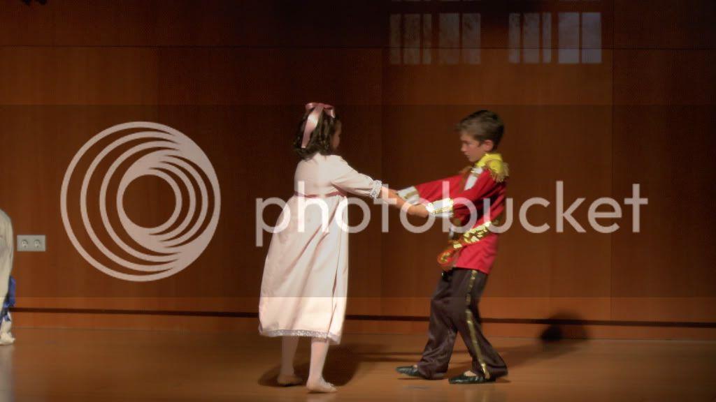 El Cascanueces - Escuela de Danza de Arahal - 2012 S1200055_zpsc9c2dcce