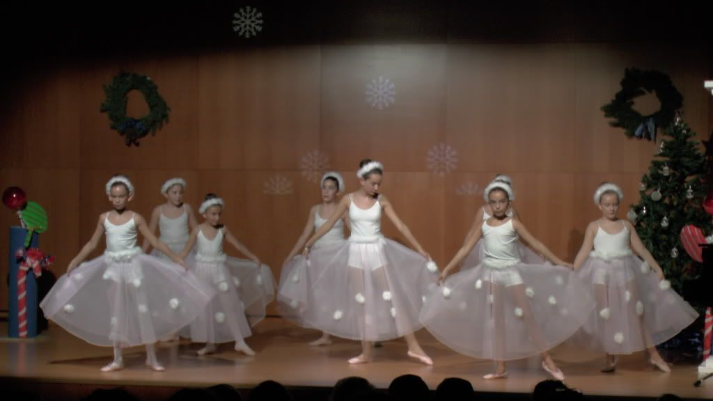 El Cascanueces - Escuela de Danza de Arahal - 2012 S1200056_zps28dbdeff