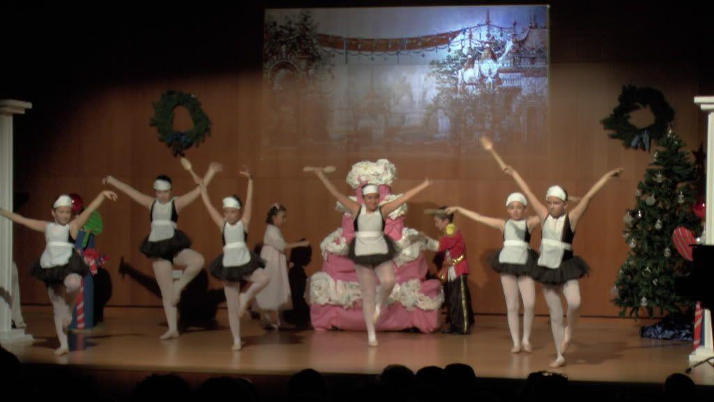 El Cascanueces - Escuela de Danza de Arahal - 2012 S1200057_zpsbbb0b9a5