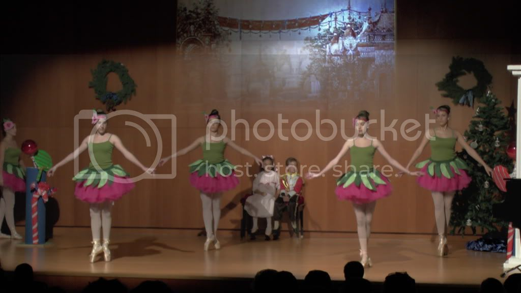 El Cascanueces - Escuela de Danza de Arahal - 2012 S1200060_zpsa5e8ca88