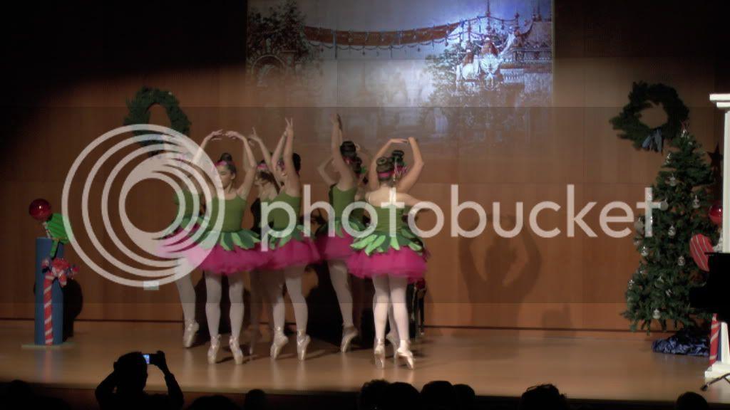 El Cascanueces - Escuela de Danza de Arahal - 2012 S1200065_zpsee3fe73b