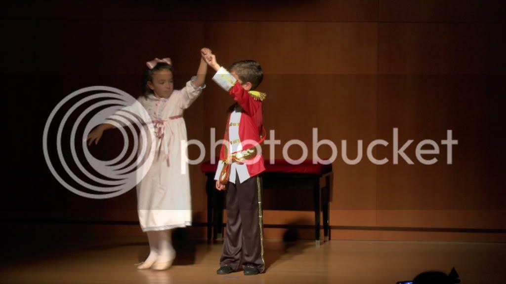 El Cascanueces - Escuela de Danza de Arahal - 2012 S1200067_zps2acf70e7