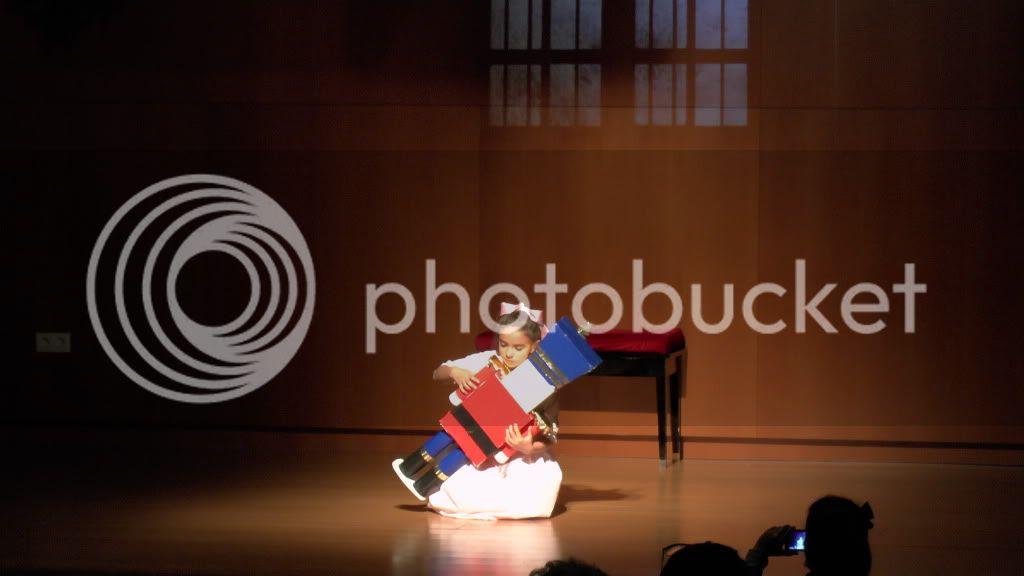 El Cascanueces - Escuela de Danza de Arahal - 2012 S1200071_zpsa8bce9fe