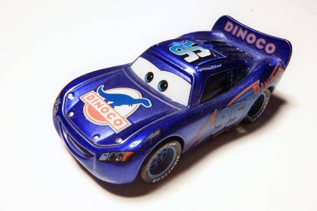 [Recensement] Lightning McQueen Blue Ray - Page 12 P1090860
