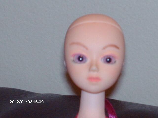 [Obitsu 1/6 Gretel] Abby, Make-up fait, photo bas p.1 DollObitsu036