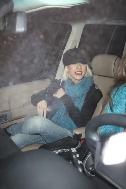Video + Pics: Christina despues del accidente 22/12 SPL147439_001