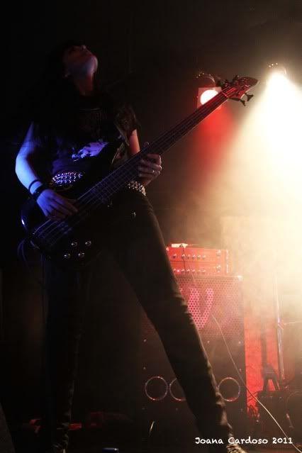 19.03.2011 - Fotoreportagem: Major Label Industries Festival MourningLeonore5