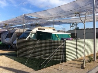 Using the Fiamma wind-out awning..... Photo-11