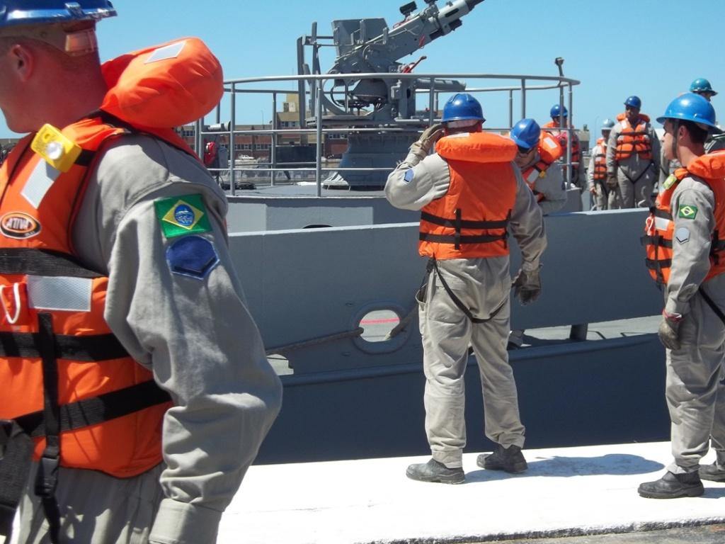 Base Naval Mar del Plata - Visita de unidades de la Marina del Brasil 100_2398_zps0c9087f7
