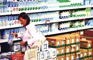 DEPOPULATION VIA LES OGM, LES PESTICIDES, LA DEFORESTATION ET LA POLLUTION DE NOTRE NOURRITURE ET DE NOS EAUX - Page 4 Laitcontamin_zps143ed82b