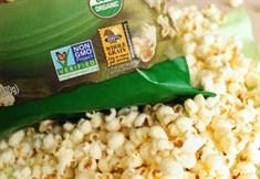 DEPOPULATION VIA LES OGM, LES PESTICIDES, LA DEFORESTATION ET LA POLLUTION DE NOTRE NOURRITURE ET DE NOS EAUX - Page 3 Popcorn_antiOGM