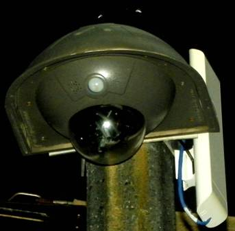 2013 : PISTAGE DES CITOYENS : SATELLITES, CAMERAS, SCANNERS, BASES DE DONNEES, IDENTITE & BIOMETRIE Talkingsurveillancecamera2_zps0ba694ee