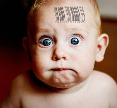 2012 : PUCES IMPLANTABLES, RFID, NANOTECHNOLOGIES, NEUROSCIENCES, N.B.I.C., TRANSHUMANISME  ET CYBERNETIQUE ! - Page 4 Baby_barcode