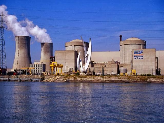 DEPOPULATION VIA LA TECHNOLOGIE NUCLEAIRE - Page 2 Centrale_nucleacuteaire_tricastin_zps58fbe5e6