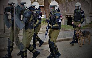 FASCISME, DICTATURE, ETAT-POLICIER, TERRORISME D'ETAT - Page 6 Flicsnazis