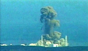 DEPOPULATION VIA LA TECHNOLOGIE NUCLEAIRE - Page 2 Fukushima_explosion_zpscc271eba