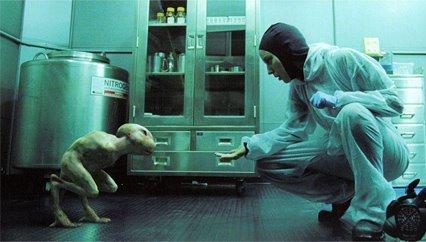 LES MODIFICATIONS GENETIQUES ET LEURS DANGERS  Splice-movie-BD-firstlook-01