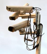 2012 : PISTAGE DES CITOYENS : SATELLITES, CAMERAS, SCANNERS, BASES DE DONNEES, IDENTITE & BIOMETRIE Surveillance