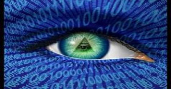2013-2016 : 666, PUCES IMPLANTABLES, RFID, NANOTECHNOLOGIES, NEUROSCIENCES, N.B.I.C., TRANSHUMANISME ET CYBERNETIQUE ! - Page 4 All-seeing-eye-uilluminati-tsa-nsa-spying_zps784f465a