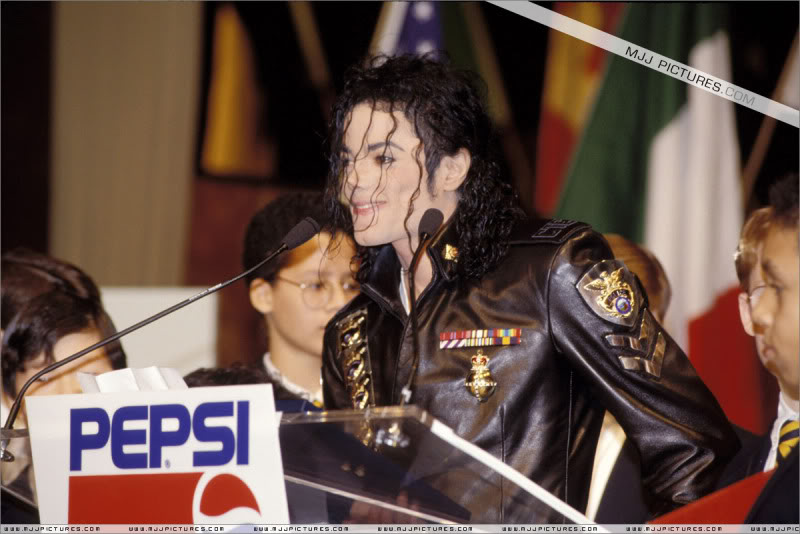 1992- Pepsi & Heal The World Foundation Press Conference 001-21