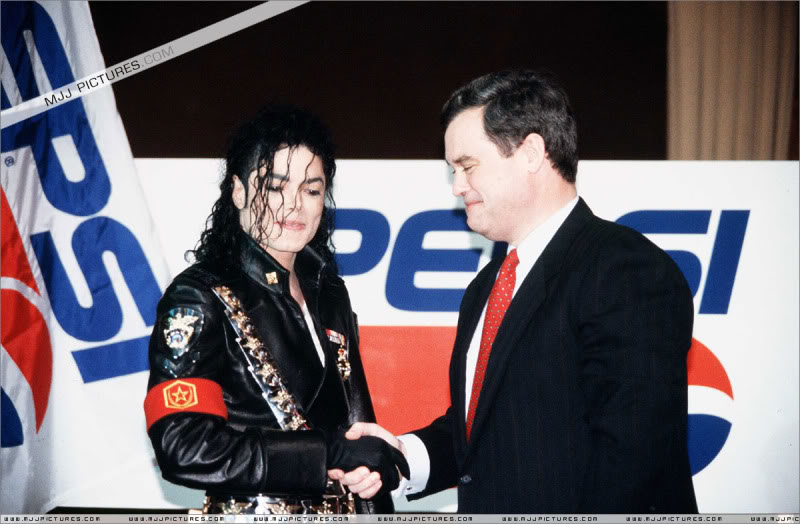 1992- Pepsi & Heal The World Foundation Press Conference 004-20