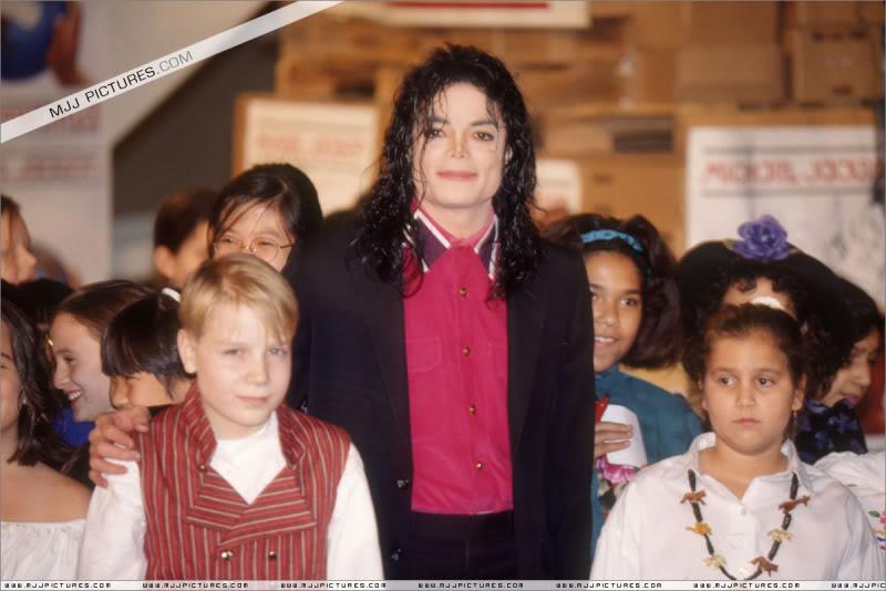 1992- Sending Relief To Sarajevo 004-21