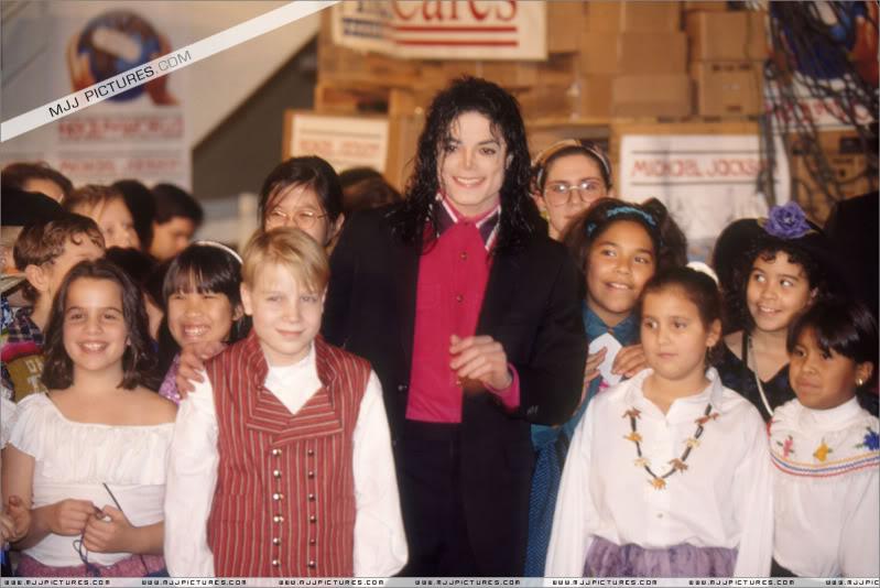1992- Sending Relief To Sarajevo 005-20