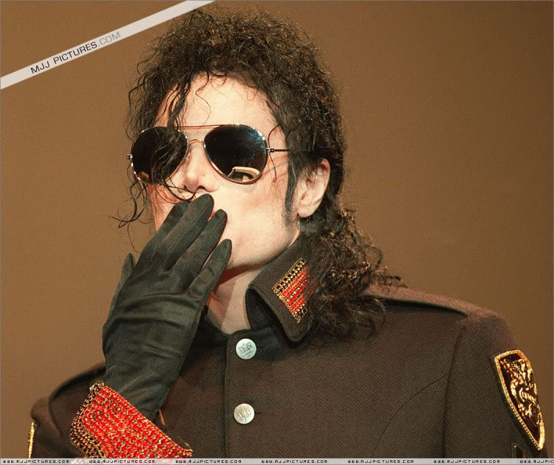 1992- Heal The World Foundation Press Conference 006-16