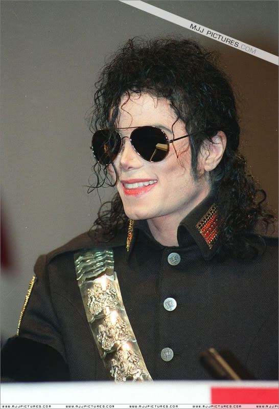 1992- Heal The World Foundation Press Conference 007-16
