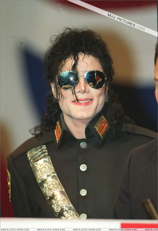 1992- Heal The World Foundation Press Conference 008-16