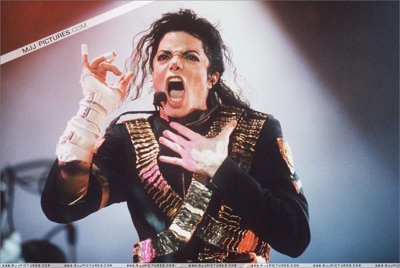 Dangerous World Tour Onstage- Jam 009-1