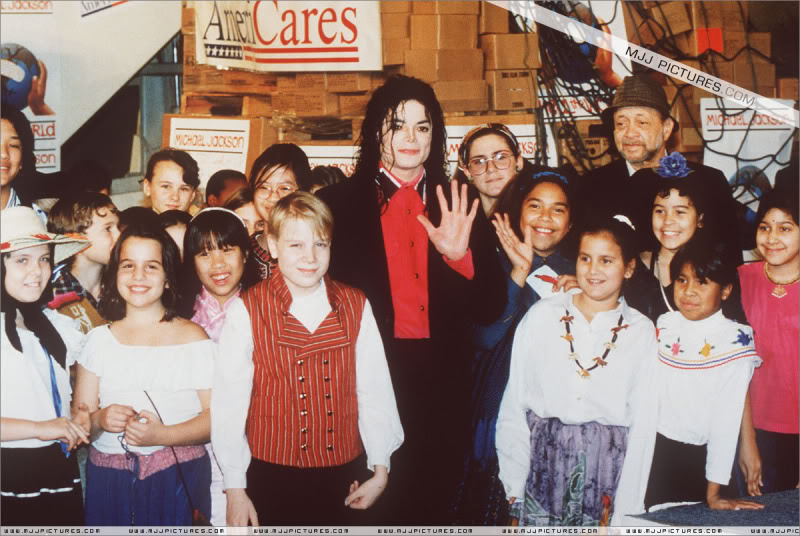 1992- Sending Relief To Sarajevo 009-18