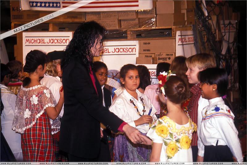1992- Sending Relief To Sarajevo 010-18