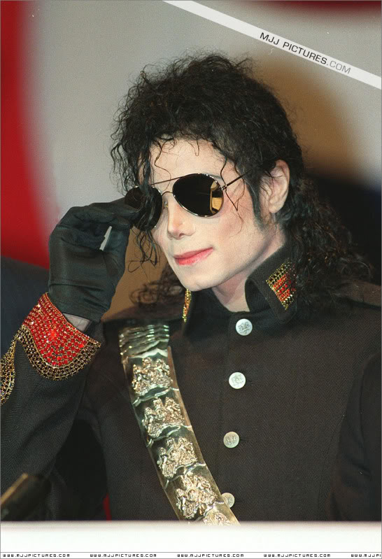 1992- Heal The World Foundation Press Conference 011-16