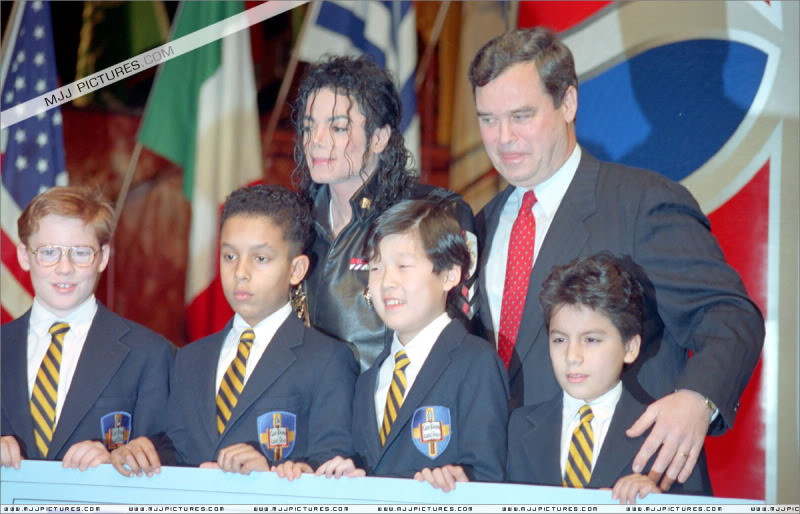 1992- Pepsi & Heal The World Foundation Press Conference 012-16