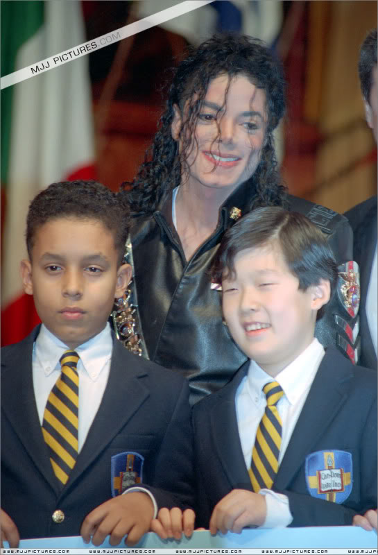1992- Pepsi & Heal The World Foundation Press Conference 013-15