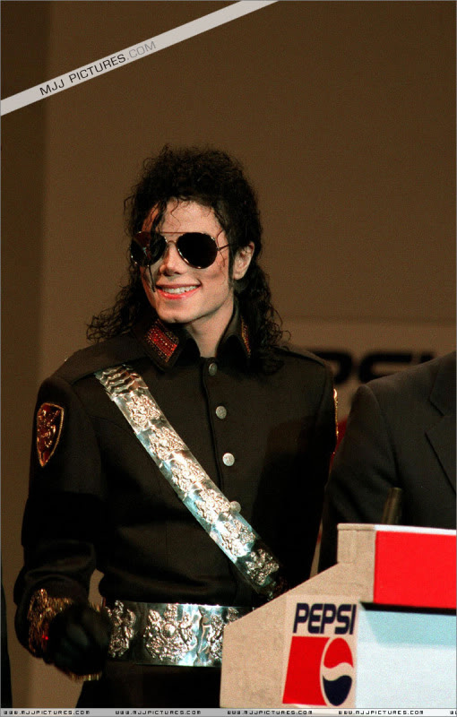 1992- Heal The World Foundation Press Conference 014-13